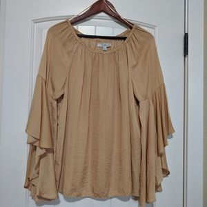 Ladies Fever tan top. Size L